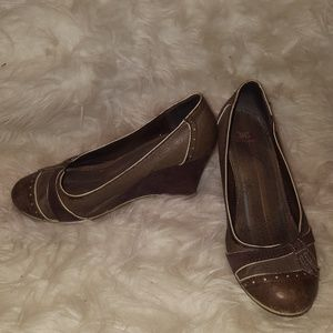 Shoes - Brown size 6.5
